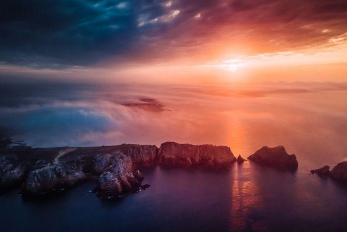 Lever de soleil sur la pointe de Penhir 02
