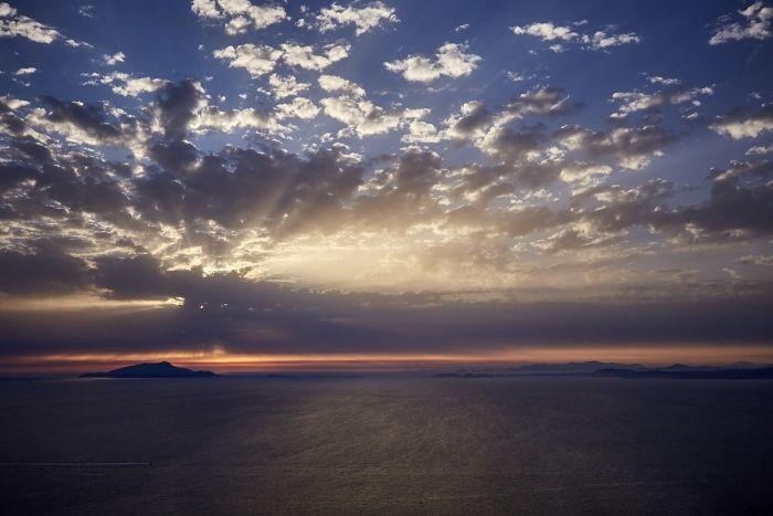 Coucher de soleil sur l'île d'Ischia